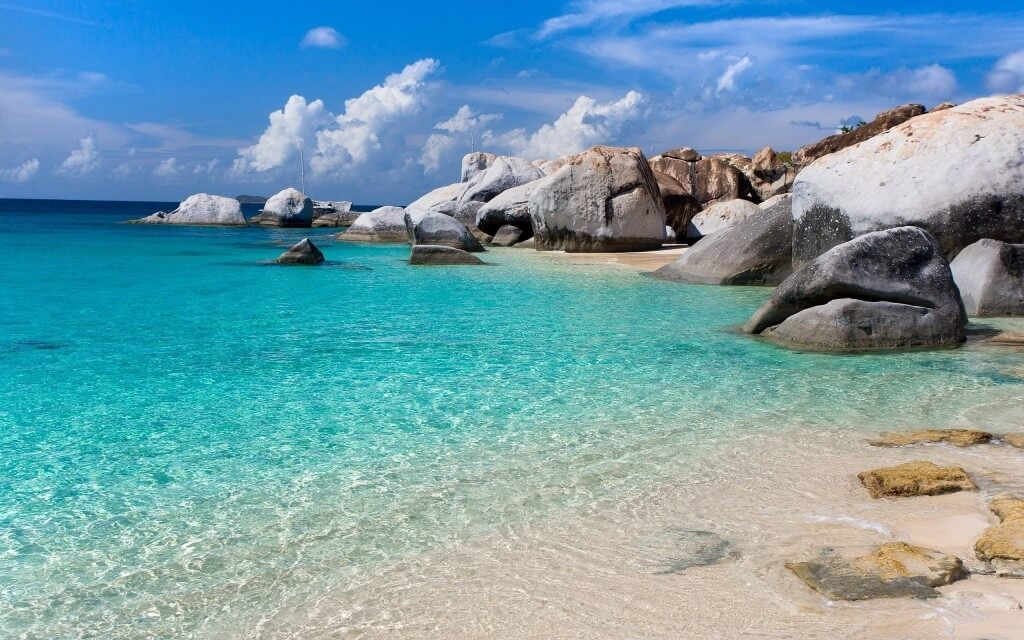 6907538-blue-water-beach