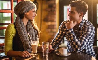 10 علامات لتتأكد انك مغرم في حب هذا الشخص