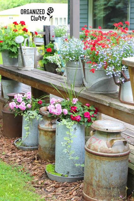 أفكار مميزة لكي تعطي الحديقة 1491592341-junk-gard