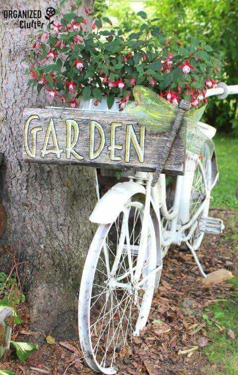 أفكار مميزة لكي تعطي الحديقة junk-garden-organize